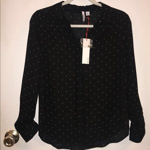 Black Longsleeve Top!